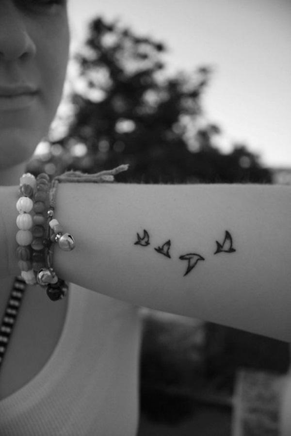 Cute-Small-Tattoo-Designs-for-Women-36