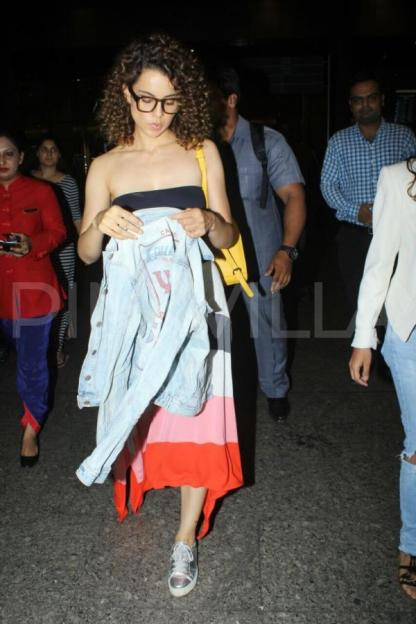 Kangana Ranaut and Jacqueline Fernandez spotted at the airport (16)