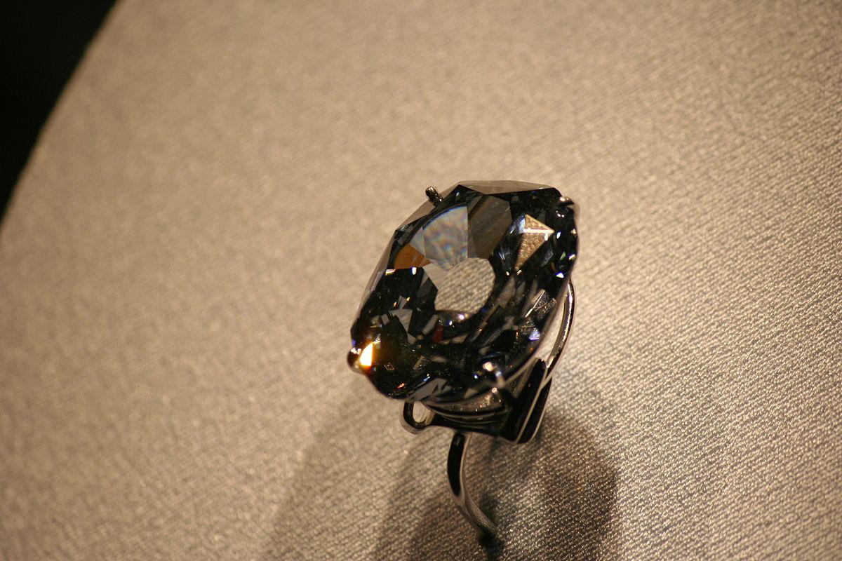 1200px-Wittelsbach_Graff_Diamond