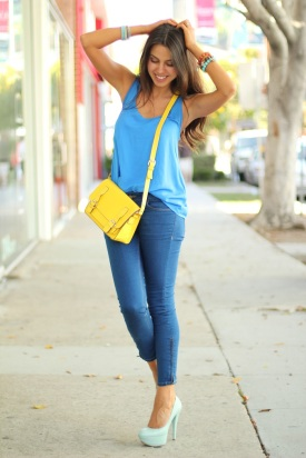 3.-yellow-sling-bag-with-casual-outfit