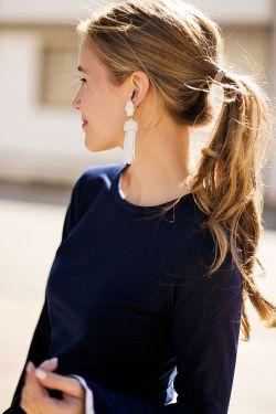 36404c1eabfd9f5480a79357c34146f6--statement-earrings-outfit-tassel-earrings