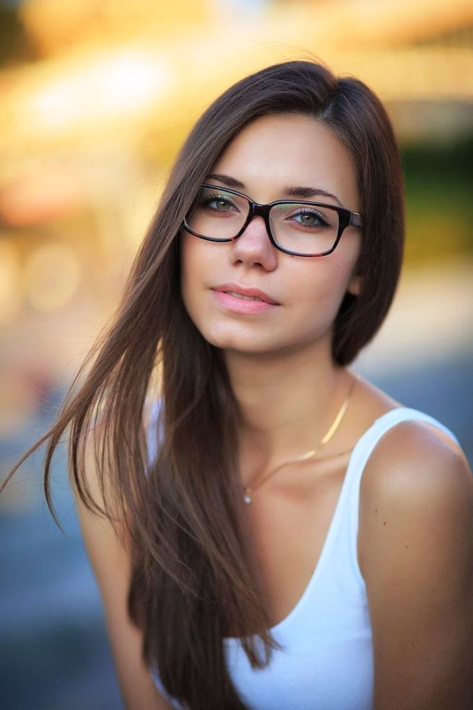 11.-Girls-With-Glasses-Ideas.jpg