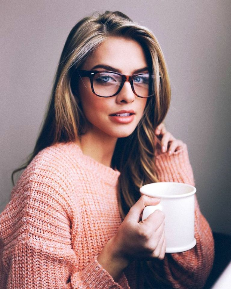 2.-Girls-With-Glasses.jpg