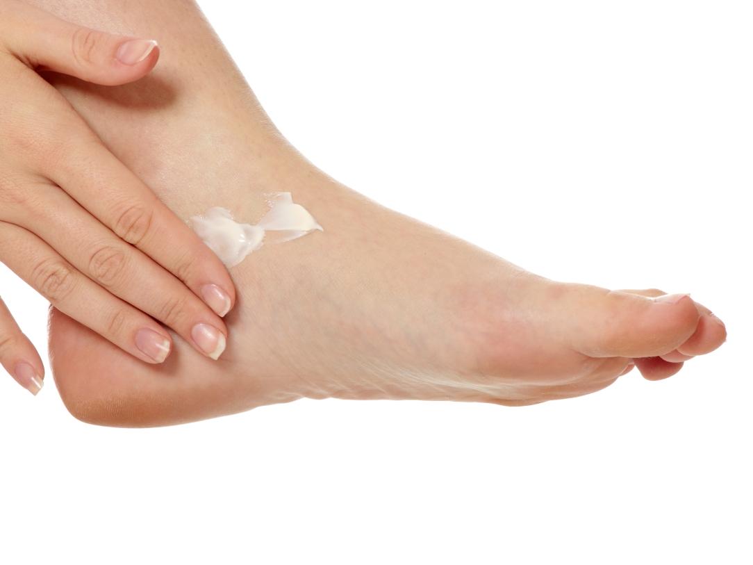 athletes-foot-apply-lotrimin-cream.jpg