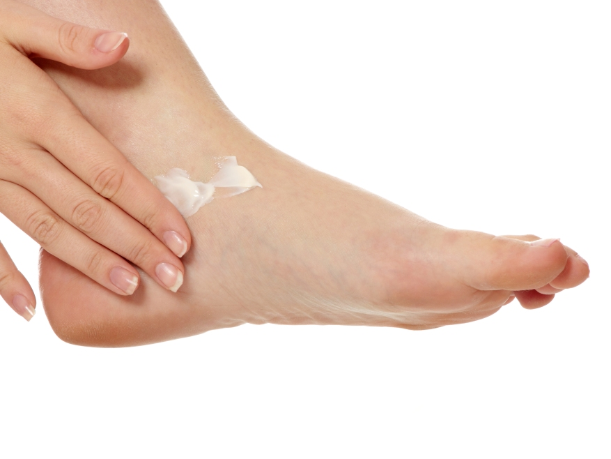 athletes-foot-apply-lotrimin-cream.jpg