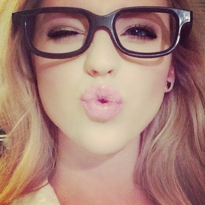 eyes-flirt-geek-girl-glasses-kisses-lipstick-makeup-tumblr-wink-Favim.com-789247.jpg