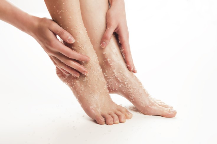 Foot-Exfoliation-with-Sugar-Scrub-.jpg
