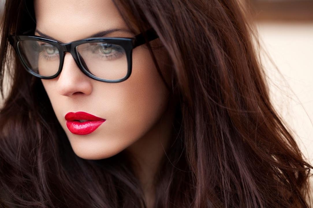 girl-with-glasses.jpg
