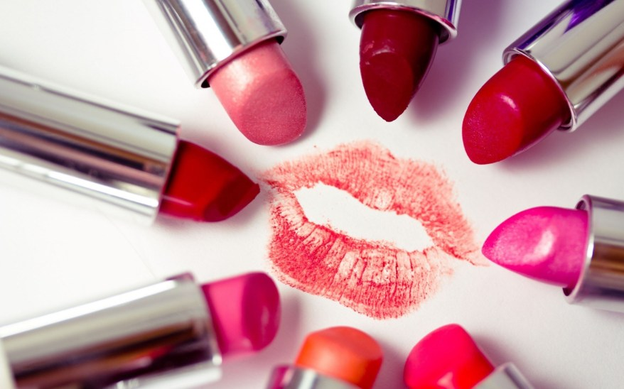 lipstick-luxury-fashion.jpg