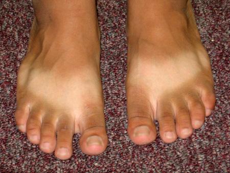 tan feet