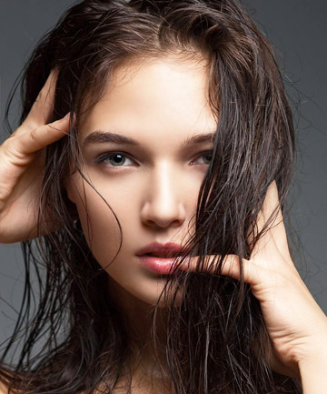 Tips to Take Care of Oily Scalp and Dry HairCombination