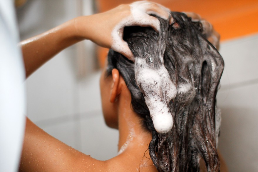 Oil-Hair-Effectively-Before-Washing-Step-9.jpg