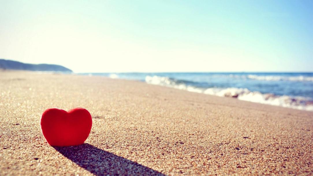 Love-Heart-on-Beach-HD-Wallpaper