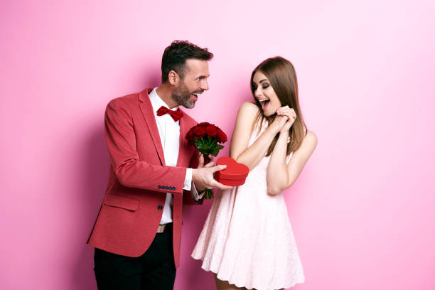 Post for Guys : How to Celebrate Valentine's Day Within Budget
